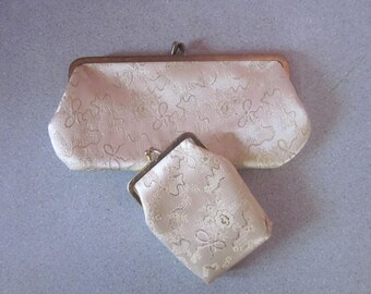 1960s Ivory and Gold Brocade Purse Accessories