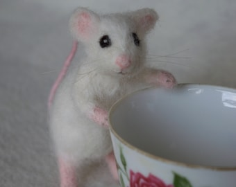 Needle Felted White Mouse, Poseable Realistic Life Sized