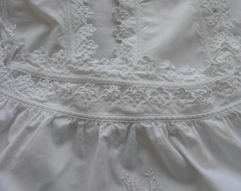 Day 1900 cotton shirts beautiful embroidery around the armholes and down with a beautiful initials TB 25 euros one