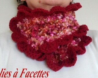 soft caramel/light pink and Burgundy crochet snood