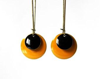 Long earrings orange and black Sequins