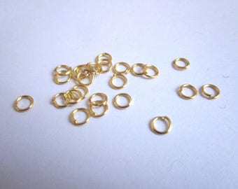 Set of 25 Gold 5mm jump rings