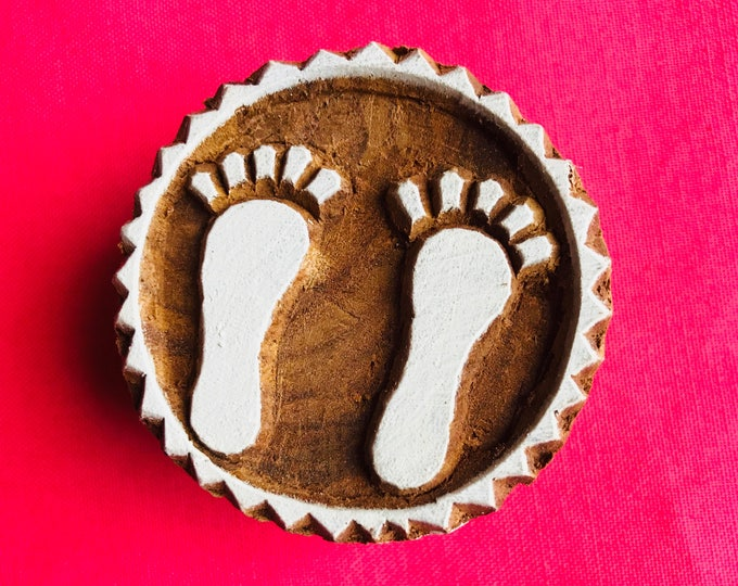 Foot Steps Hand carved Wooden Round Block Stamp for textile Fabric printing, scrapbooking, henna, clay & art work, pottery, Indian design