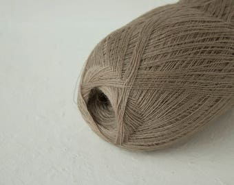Cobweb light beige merino wool yarn - haapsalu shawl yarn