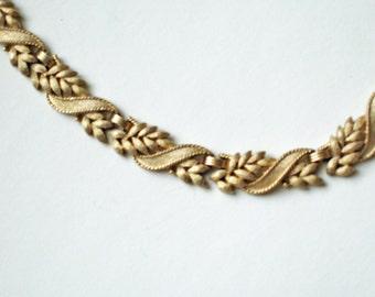 Vintage Leaf Cluster Gold Necklace