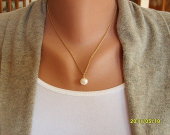 Pearl Necklace with Gold Chain, Pearl Jewelry, Single Pearl Necklace, Pearl Pendant
