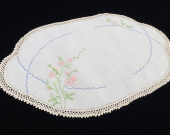 Large Linen Doily. Vintage Embroidered Oval White Linen Doily or Table Runner. Peach Blossom Embroidery and Crochet Lace Edging RBT2291