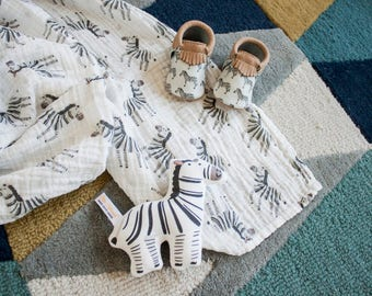Zebra Blanket / Safari Theme / Safari Nursery - Name Blanket / Swaddle Blanket / Organic Baby Blanket / Organic Swaddle