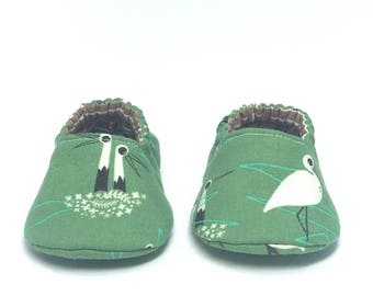 0-3mo RTS Baby Moccs: Midcentury Modern Stork / Crib Shoes / Baby Shoes / Baby Moccasins / Vegan Moccs / Soft Soled Shoes / Montessori Shoes