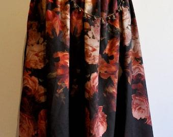 Mid-length skirt mori flowers