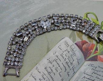 Vintage Clear Rhinestone & Silver Tone Wide Bracelet w/ Large Center Stone    ODQ9