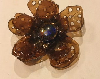 Sn11 - Brown Flower Plastic Brooch