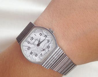 Mens watch Men Wrist Watches 1980s retro watch Mechanical watch Military Watch victory watch russian watch Vintage Working Watch USSR Pobeda