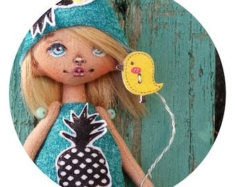 Pineapple doll, funny doll, mini doll, pocket doll, pineapple, hat, funny hat, blond, yellow, blue, cutie
