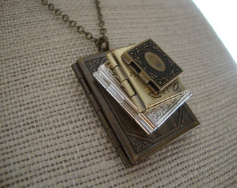 Stack of Books Locket Necklace, Stacked Book Locket Necklace, Stack of Books Necklace, Stacked Books, Gift for Librarian or Graduation Grad