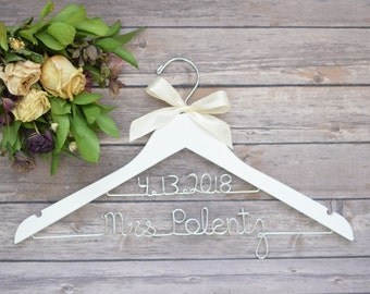 Wedding Dress Hanger, Bride Hanger, Personalized Wedding Hanger, Bridal Hanger, Bride to Be Hanger, Wedding Gown Hanger, Bridal Shower Gift