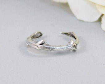 Silver Twigg,Ring,Silver,Twig,Branch, Ring,Antique Ring,Silver Ring,Woodland,Wedding,Bridesmaid. Handmade jewelery by valleygirldesigns.