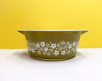 Pyrex 'Spring Blossom Green' (version one) #475 Round Casserole (no lid)