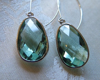 Erinite glass earrings, mint green earrings, elegant earrings, dramatic earrings, wedding earrings, light green earrings, gift, teal green