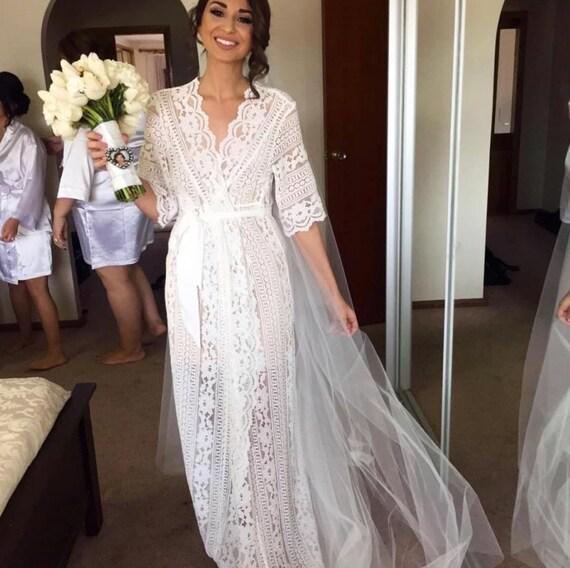 Bridal Robe To Get Ready In: Lace Bridal Robe // Bridesmaid Robes // Robe // Bridal Robe
