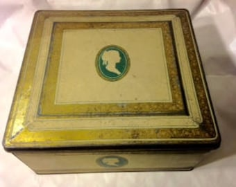 Vintage 1950s Tin Box/Boudoir Victorian Cameo Jewelry Tin/Elegant Keepsake Box