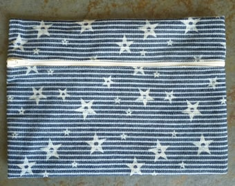 blue cotton printed with stars zippered clutch