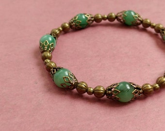 Green Serpantine Gemstone Bracelet With Antiqued Gold-Plated Brass Accents