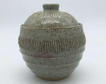 Gray Pot with Lid