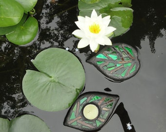 Leaves, Floating Glass Garden Art Sculpture, for Water Gardens, Outdoor Rooms, Home Decor, Floating Stained Glass Mosaic Art for Ponds