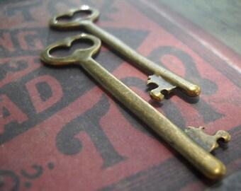 Bulk Skeleton Keys 100 pieces Antiqued Bronze 53mm Wholesale Keys Key Pendants