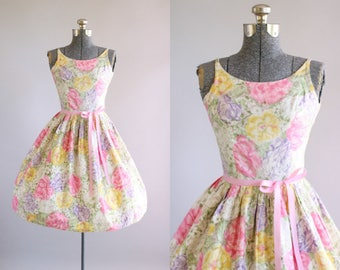 Vintage 1950s Dress / 50s Cotton Dress / Vicky Vaughn Pink Floral Dress w/ Ribbon Waist Tie S