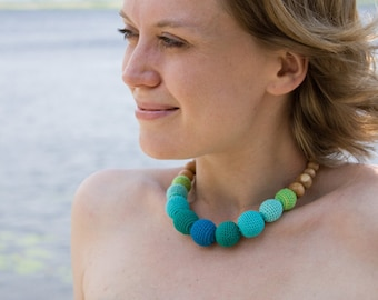 Martinique Nursing Necklace - emerald green gradient, juniper - Teething Necklace, New Mom Necklace, New Baby Gift - NG02