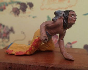 Wild West Elastolin toy figurine (1940/50's) American Indian warrior ambushing