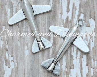 10 pewter Airplane charms (CM8)