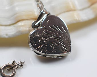 925 Silver Heart Shaped Etched Leaf Pattern Locket Pendant on Silver Chain