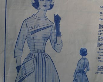 Vintage 50s Modes Royale Sewing Pattern Striped Yolked 3/4 Sleeved Dress D-213 Size 10