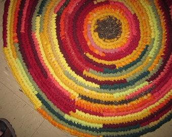 "Amish Knot Rag Rug Handmade, 30"" Diameter, Spring or Fall Colors"