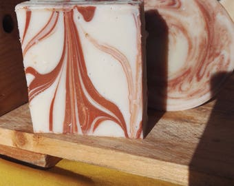 Natural soap with organic Shea butter and 2 clays (100g)