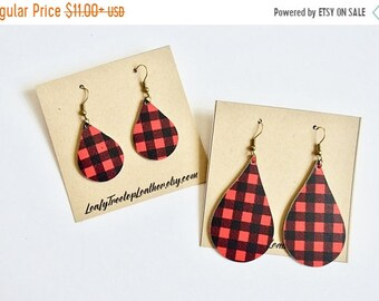 SUMMER VACATION FLASH Black and Red Gingham  Leather Earrings //  Buffalo Check // Lumber Jack Teardrop Earrings // Leafy Treetop Leather