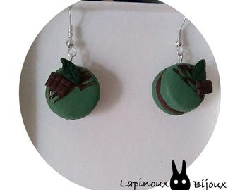 Earrings dangling macaroons chocolate mint in polymer clay.