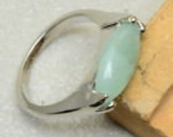 Exquisite Green Aventurine Solitaire Set in  925 Genuine Solid  Sterling Silver Ring Sz 7