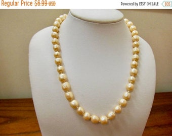 On Sale Vintage Hand Knotted Simulated Pearl Necklace Item K # 37