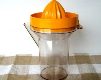 Vintage Juicer - Perstorp - Citrus reamer, Citrus squeezer, 2 Cup juicer, Pour spout, 2 piece juicer, Plastic, Kitchen décor, Made in Sweden