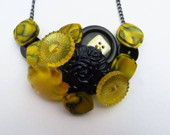 Hornets Nest vintage button bib necklace yellow black