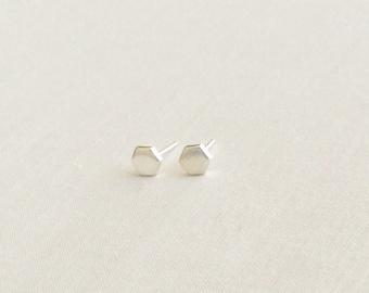 Hexagon Stud Earrings - Hexagon Earrings - Tiny Silver Stud Earrings - Minimalist Stud Earrings - Dainty Earrings - Geometric Earrings