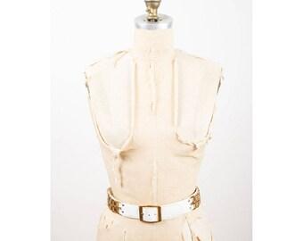 Vintage white vinyl belt / Morris Moskowitz faux patent leather go go belt with gold chain links M L