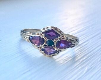 1900 vintage 18k garnet and emerald ring