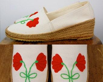 Vintage 1970's Embroidered Summer Espadrilles Shoe