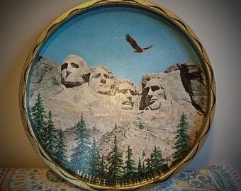 Vintage 1960's Mount Rushmore Souvenir Round Metal Tray