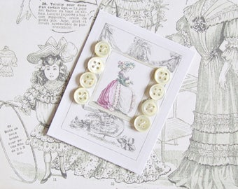 8 vintage buttons 10mm